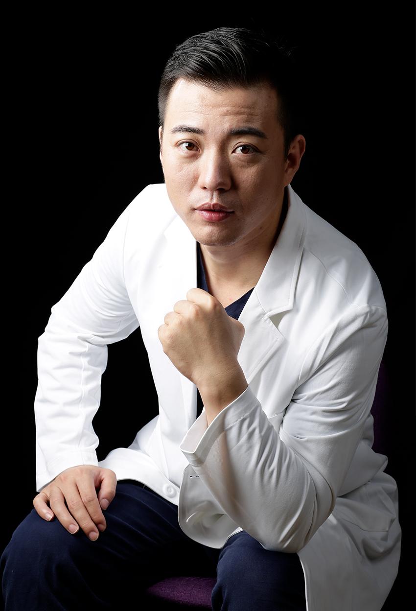 岳才(整形医师)