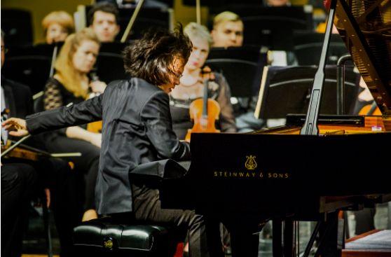 这些音乐会现场直播庆祝2020年钢琴日