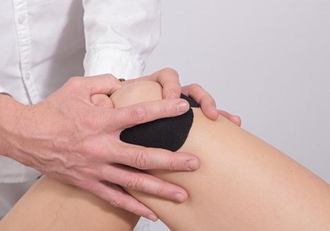关节软骨受损了?修复还需汤臣倍健健力多氨糖软骨素钙片!